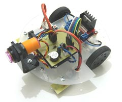 Arduino Robot Moving Between Lines and Detecting Obstacles